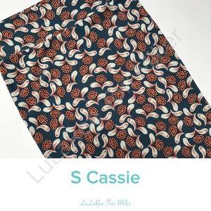 LuLaRoe Small Cassie pencil skirt